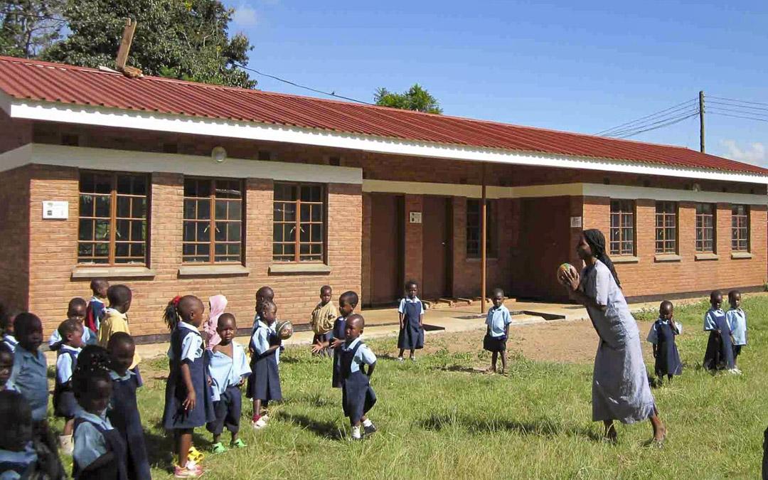 Proyectos educativos en Mlale - ONG ANDALUCIA POR UN MUNDO NUEVO